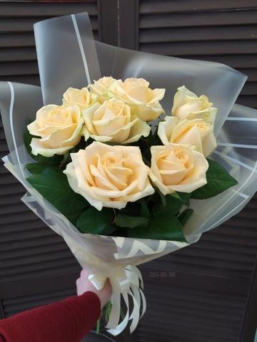 9 кремовых роз 50 см  в оформлении #2673