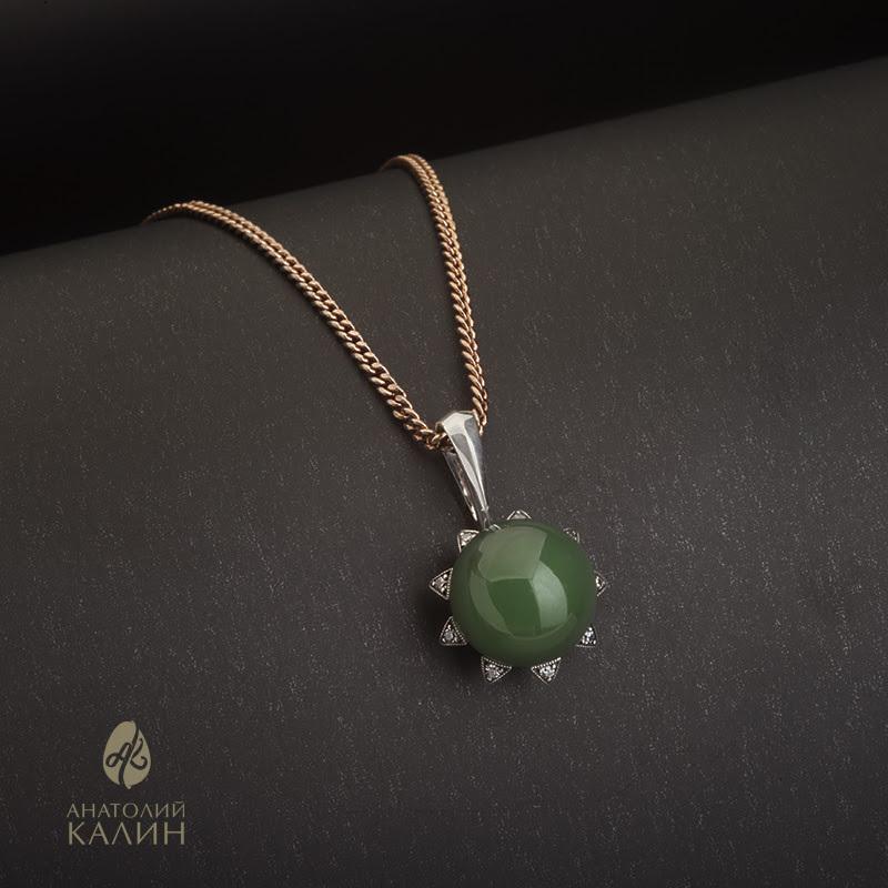 Авторское Подвес с зеленым нефритом и серебром Sola Кулон-нефрит-зеленый_а.jpg