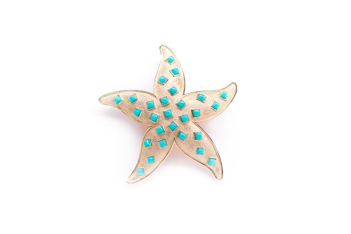 Красивая брошь Морская звезда от Trifari.