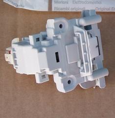 Замок двери ПММ ARISTON/ INDESIT 87440