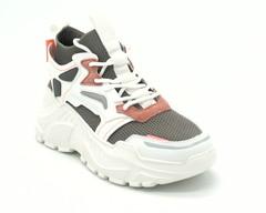 Серые кроссовки на массивной белой платформе