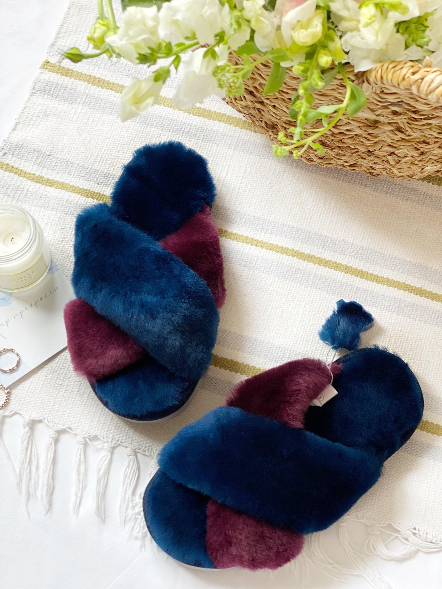 Меховые тапочки сапфировые с перекрестными шлейками контрастными (сапфировый+пурпурный) (из наличия)