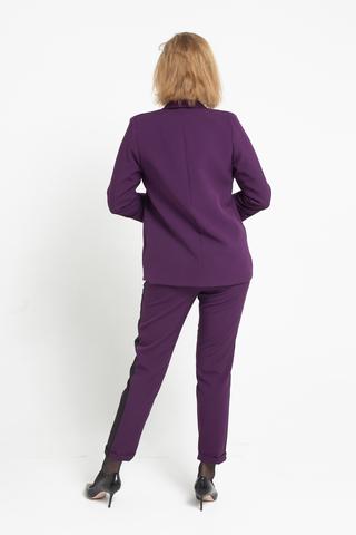 Брючный костюм женский сиреневого цвета недорого