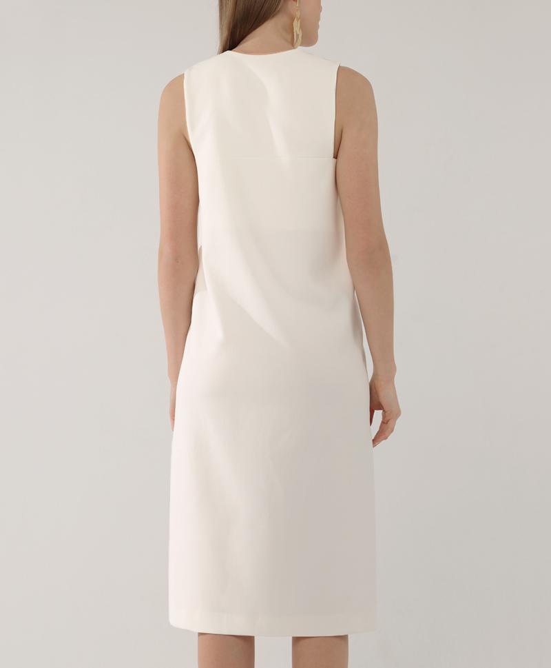 Молочное платье с квадратным вырезом