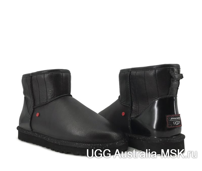 UGG Short Star Wars Mini Black