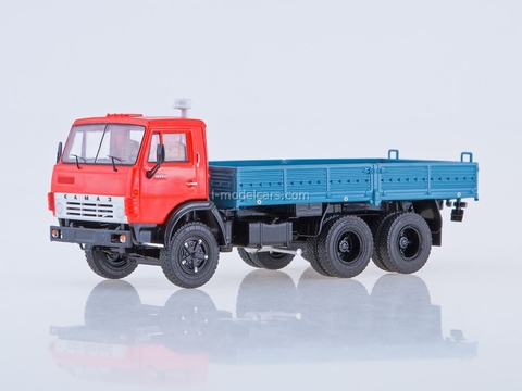 KAMAZ-5320 flatbed truck red-blue 1:43 Start Scale Models (SSM)