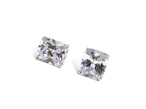 5692 - Крупные, прямоугольные пусеты из серебра с цирконами бриллиантовой огранки