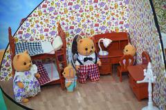 Кукольная мебель для детской и семейка зверушек Happy Family