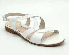 Белые кожаные сандалии