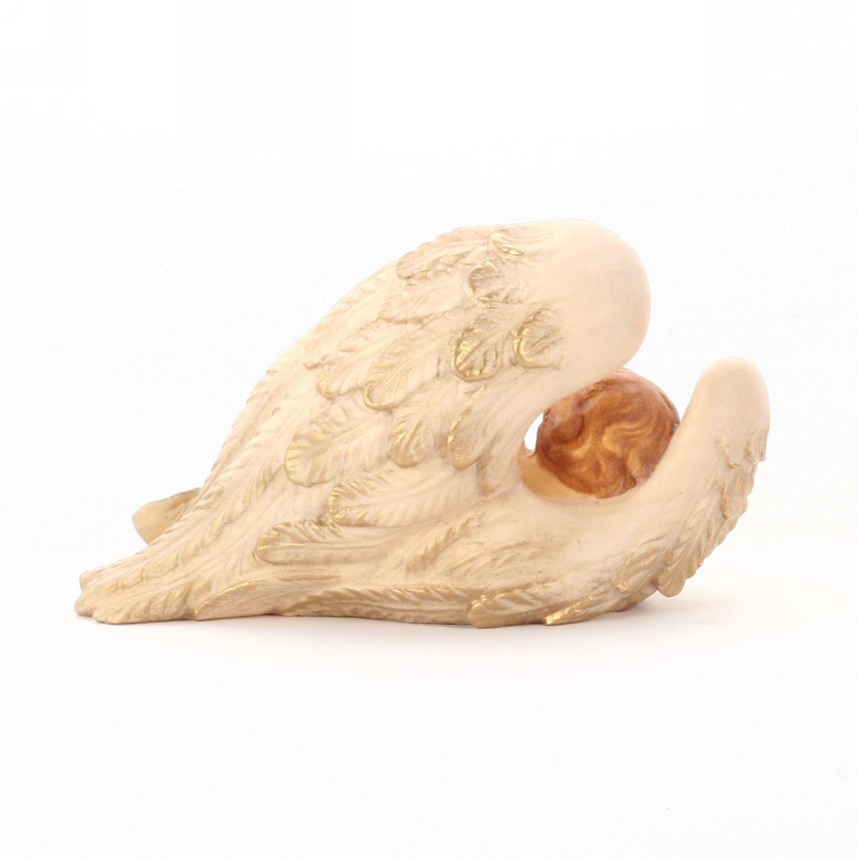 Ангел спящий на крыле