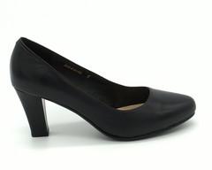 Черные кожаные туфли на высоком каблуке