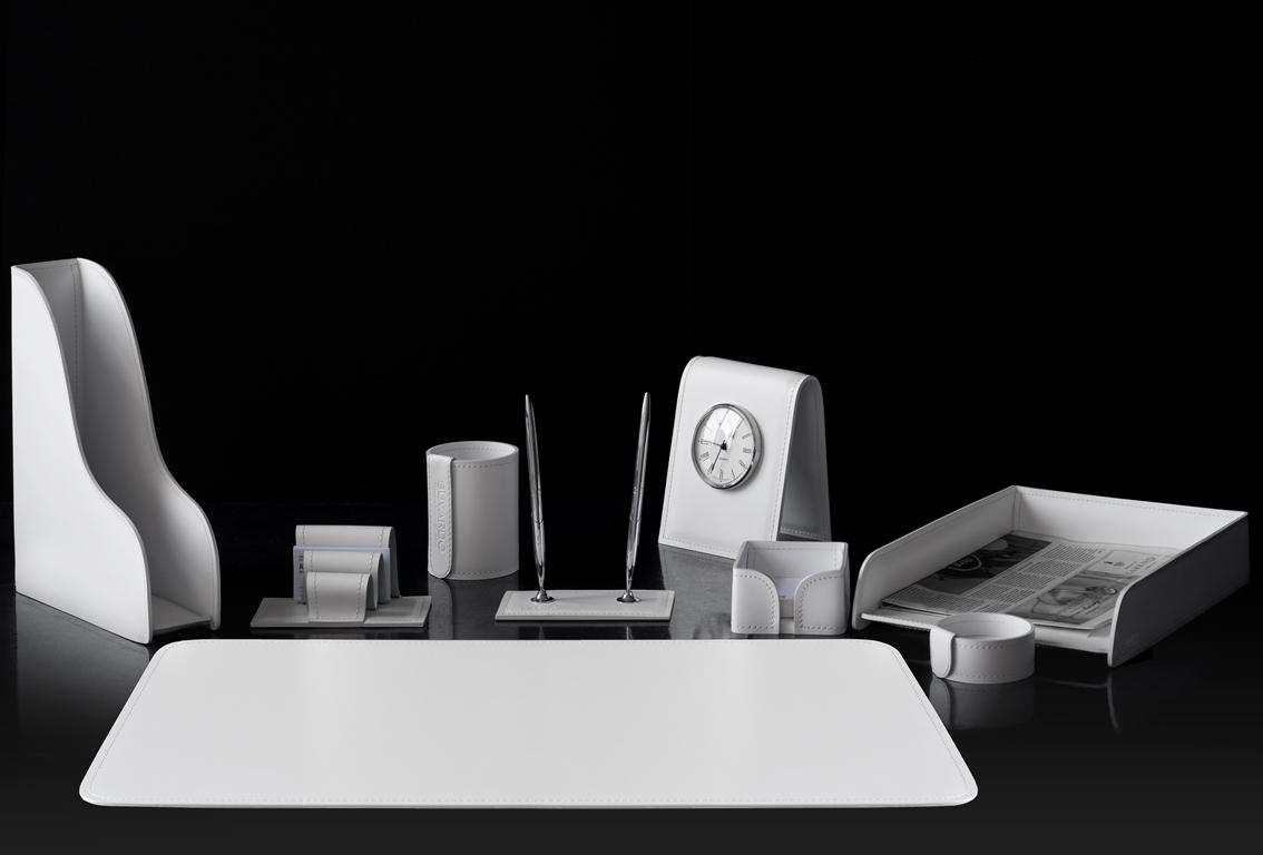 настольный набор белый с часами фото