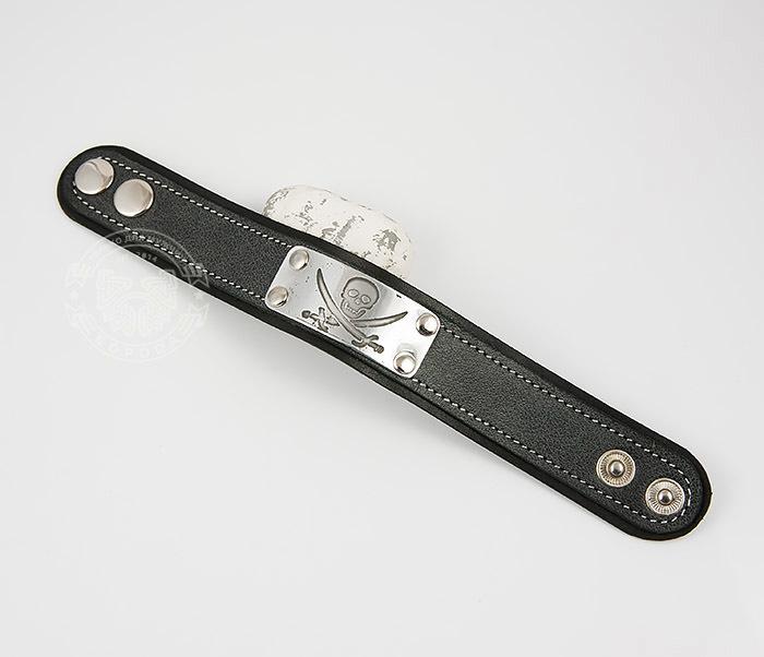 BL453-3 Кожаный браслет с гравировкой Пират из кожи ручной работы фото 02