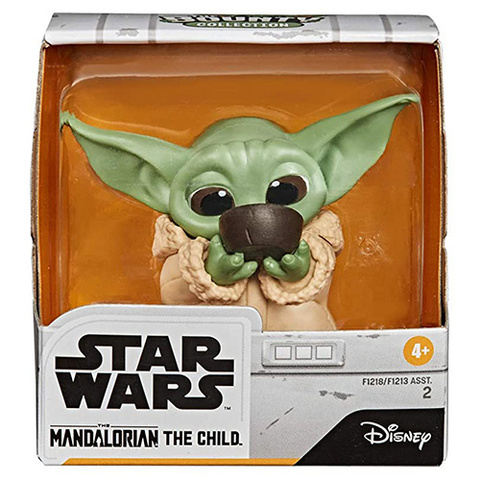 Фигурка Star Wars Bounty Collection Mandalorian The Child Sipping Soup