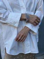Кольцо из серо-голубого хрусталя с подвеской из серебра