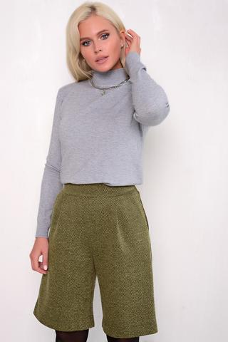 <p><span>Тренд 2020-шорты бермуды! Мы создали для Вас невероятно стильные бермуды. Благодаря свободному крою, завышенной талии и универсальной длине, модель хорошо сидит на любом типе фигуры.Бермуды прекрасная альтернатива брюкам- они подойдут как для встреч с друзьми, так и для офиса. (Длина: 44-50р -53см).</span></p>