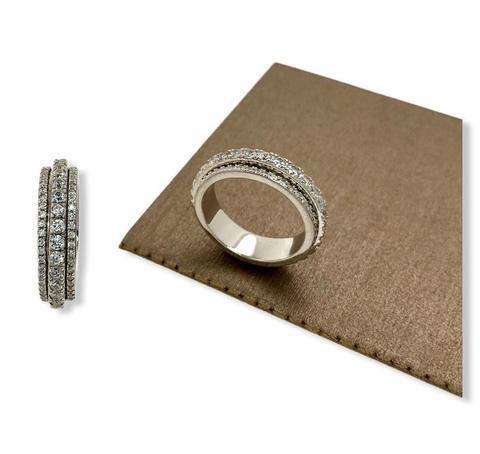 10788- Кольцо-дорожка  из серебра с крутящейся серединой в обсыпке из цирконов