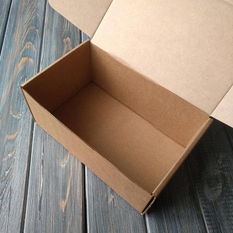 Коробка мгк С УШКАМИ (180*110*80мм)