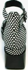 Танкетка босоножки женские с закрытой пяткой G.U.E.R.O G009-2461 White Dot.