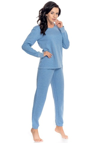 Теплая пижама из кофты и брюк