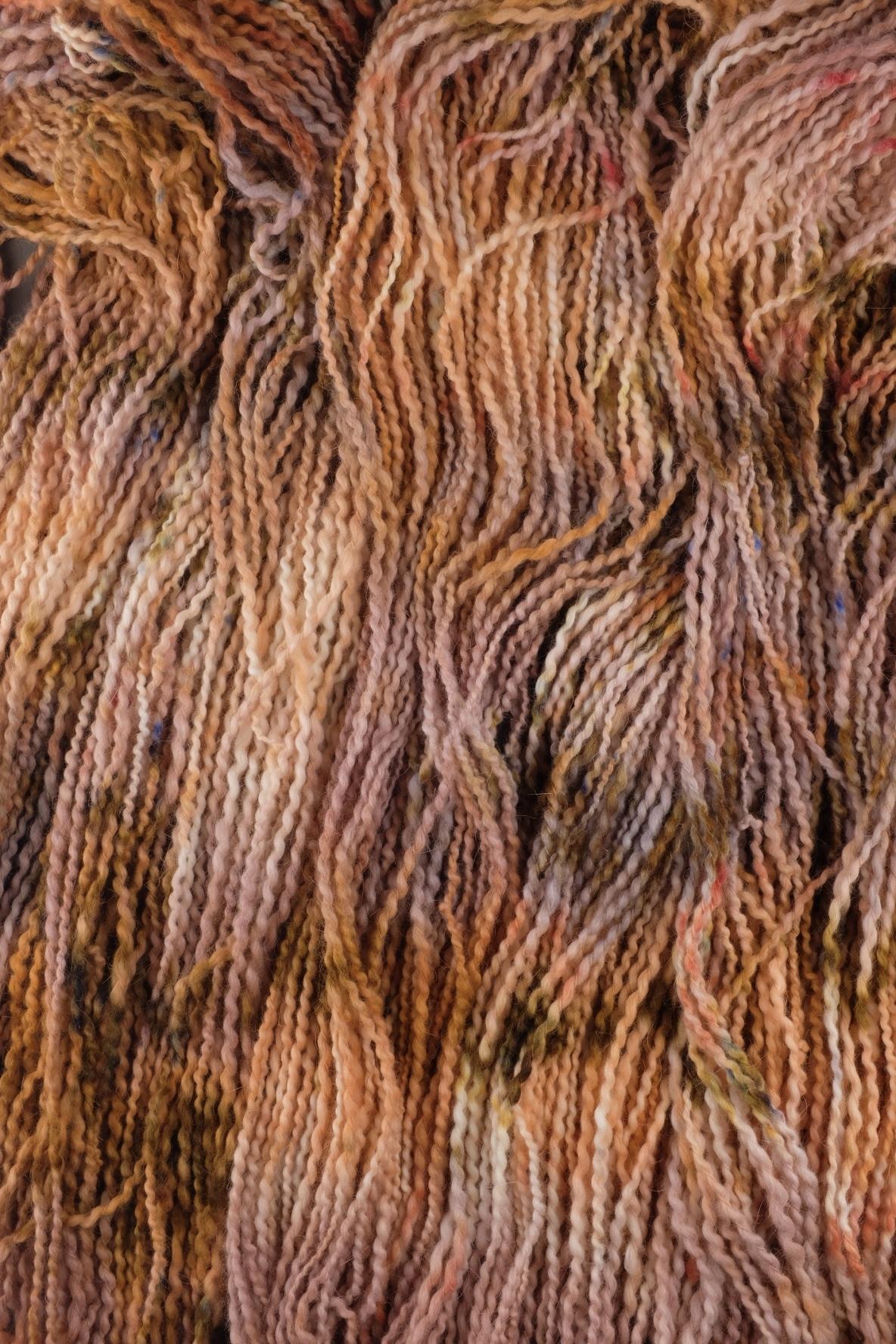 Пряжа из ангоры ручного прядения и секционного окрашивания, цвет рыжая, розовая меланж
