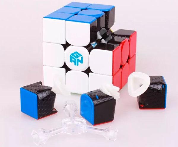 Кубик GAN