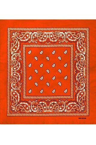 Оранжевая бандана пейсли фото