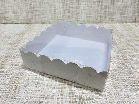 Коробка 20х20х6 см, картон, с прозрачной крышкой и ажурным краем,