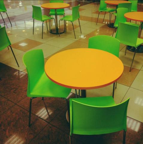 столы и стулья для фуд-корта ( ТЦ