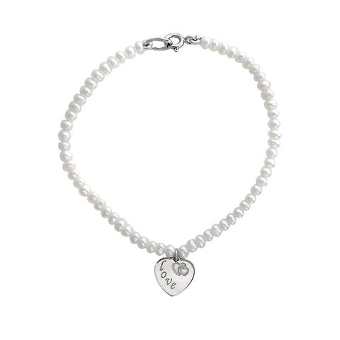 Браслет из серебра с белым жемчугом  и подвеской LOVE