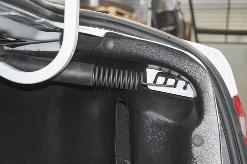 Накладки на арки в багажник Lada Vesta седан  2шт