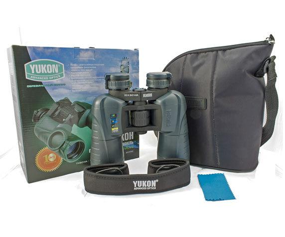 Комплект поставки Yukon 12x50 WA: бинокль, сумка, ремень, салфетка