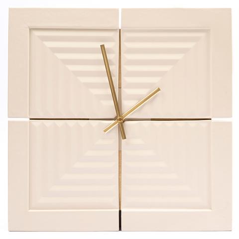 Часы «Вечность». Цвет молочный