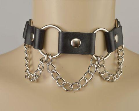 Черный кожаный ошейник с кольцами и цепочкой