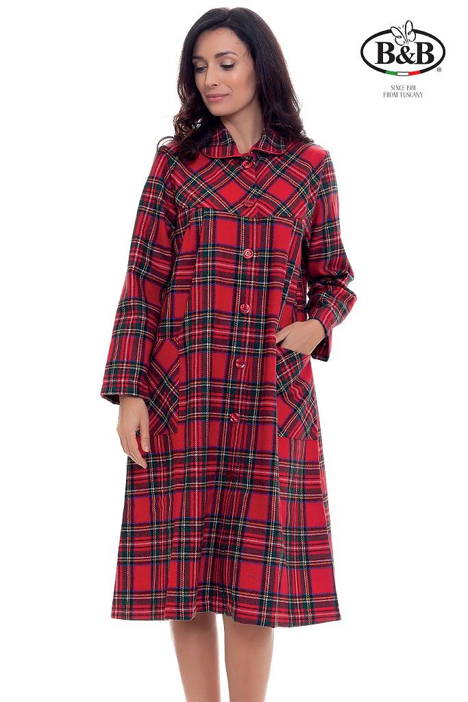 Теплый клетчатый халат на пуговицах B&B