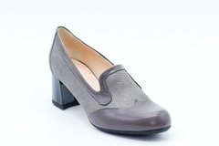 Серые туфли из натуральной кожи на среднем каблуке