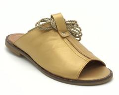 Сабо золотистого цвета со шнуровкой вокруг щиколотки
