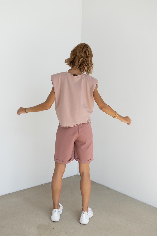 Футболка с подплечниками цвета розовое латте