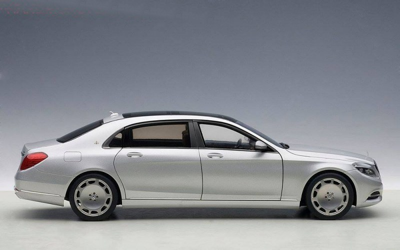Коллекционная модель Mercedes-Benz X222 Maybach S-Class S600 SWB 2015 Silver