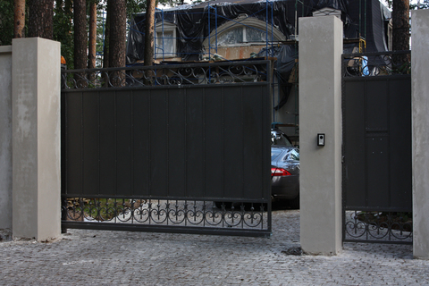 Кованые откатные ворота N-8