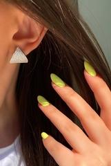 9099- Серьги в форме треугольников  из серебра c микроцирконами
