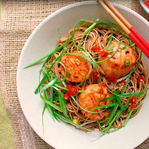 https://static-sl.insales.ru/images/products/1/4111/37875727/scallops_with_soba_noodles.jpg