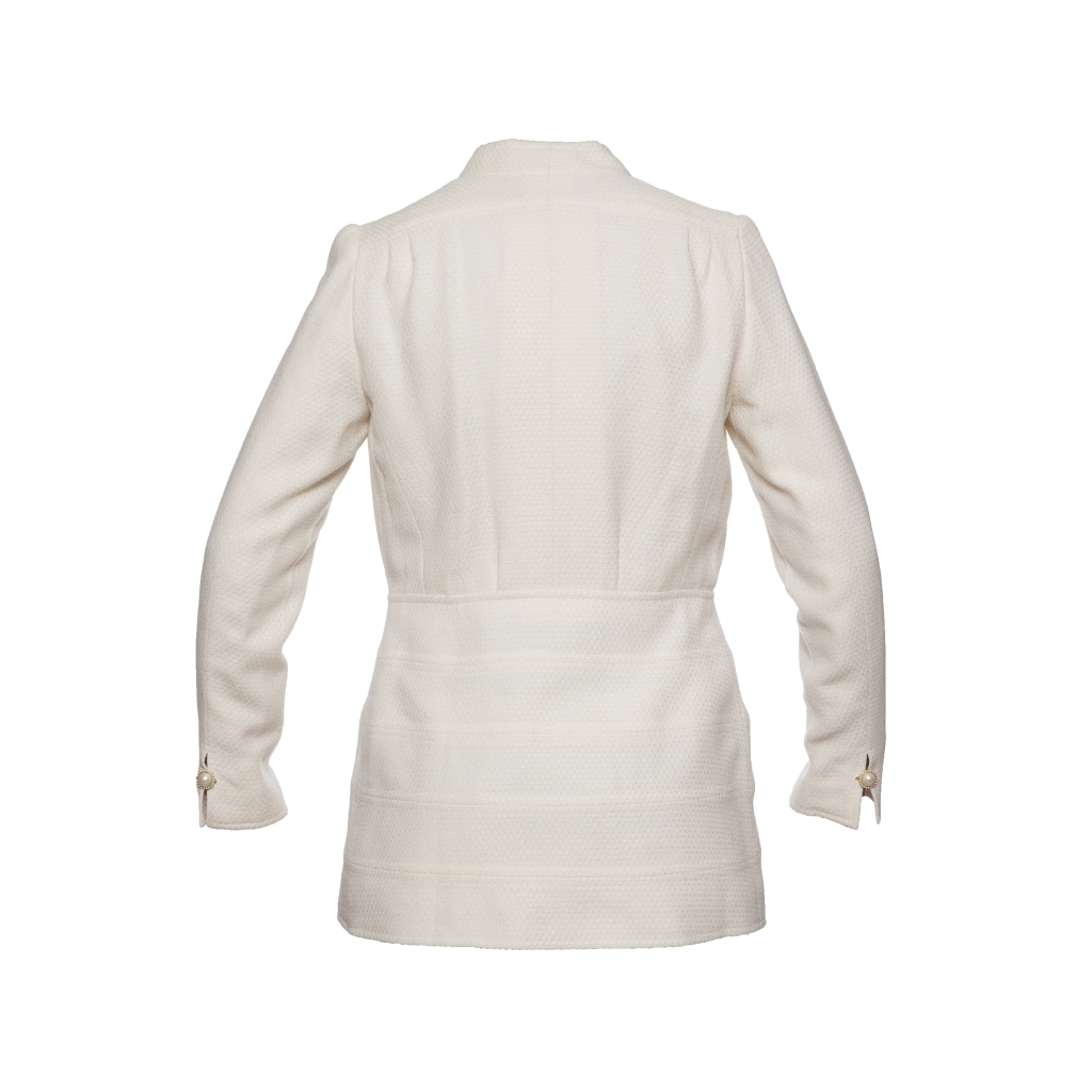 Изысканный удлиненный жакет из твида кремового цвета от Chanel, 38 размер.