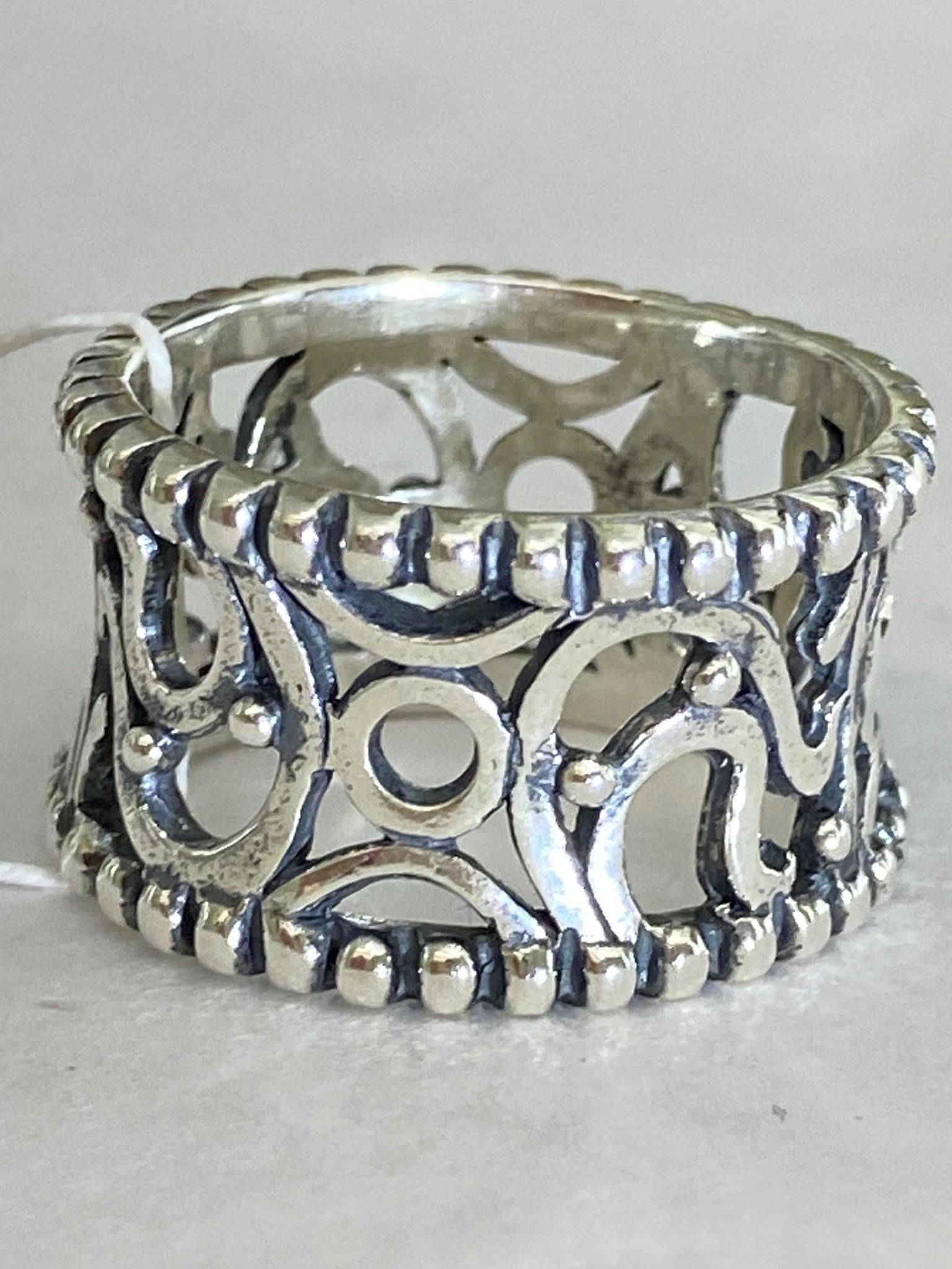 Декор (кольцо из серебра)