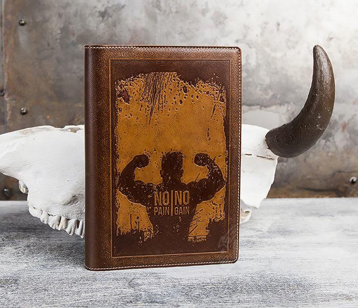 BY05-14-01 Недатированный кожаный ежедневник  с надписью «No pain, no gain» (А5) фото 02