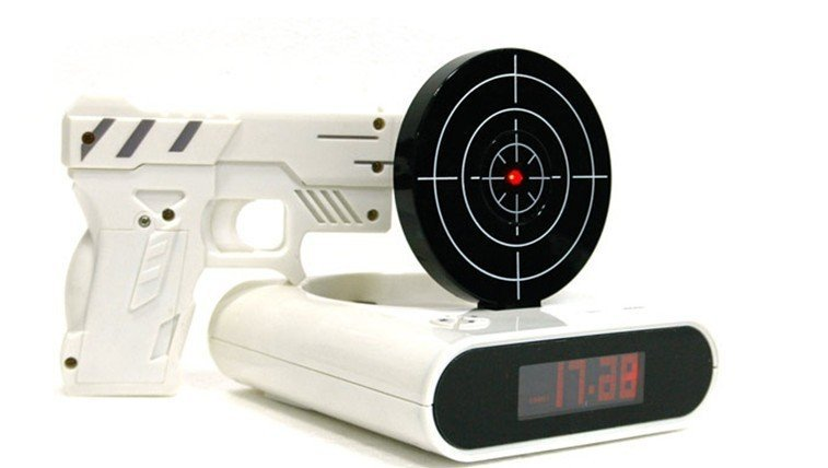 Будильник-пистолет