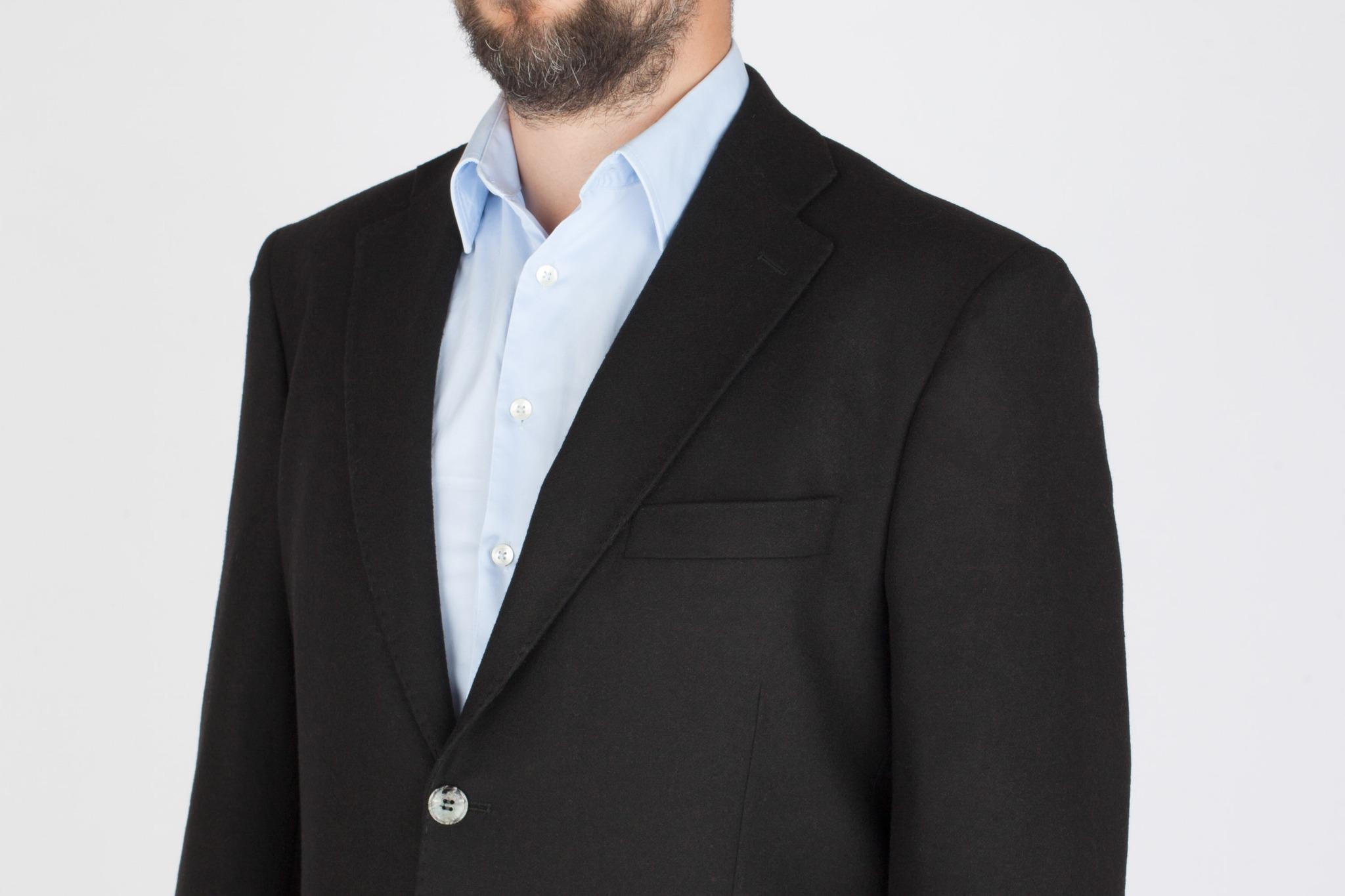 Чёрный костюм из 100%-ной шерсти, нагрудный карман