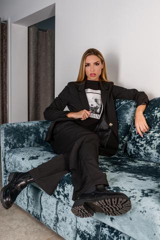 Черный брючный костюм с пиджаком купить