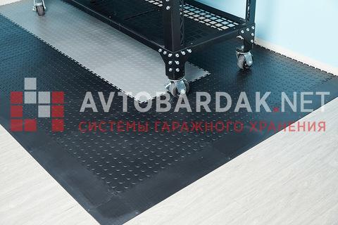 ПВХ-покрытие 2650 х 1650 мм в гараж (в угол, пандус с 2-х сторон). Набор из черных и серых плиток
