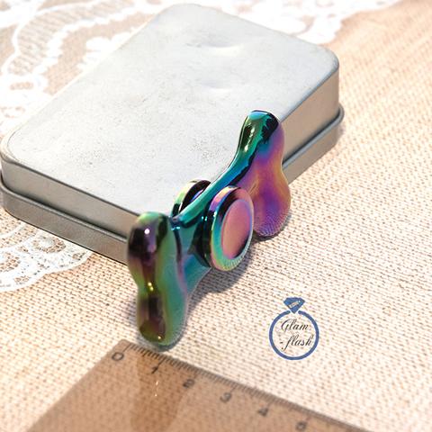 Спиннер металлический в форме косточки цвет хамелеон 17033M
